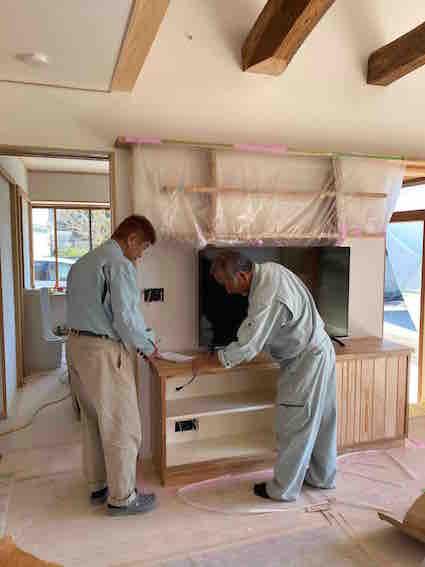 201005家具の穴あけ.jpg